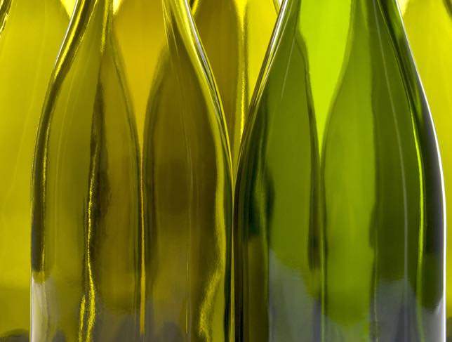 White and red wine drinkers can now go green