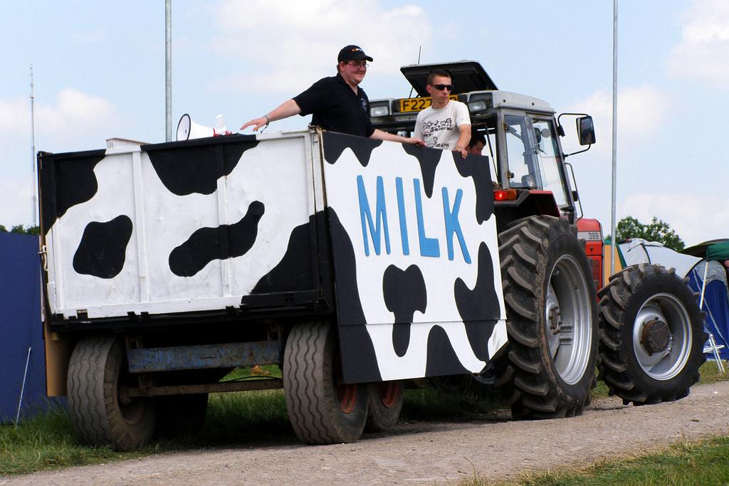 Warrnambool offers farmers 28 cents a litre for milk