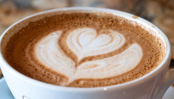 Regular coffee consumption clears arteries and lowers cardiovascular risk