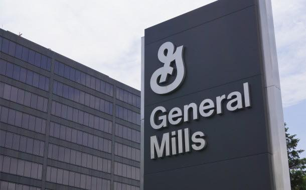 General Mills boosted by its pet food unit as snack bar sales falter