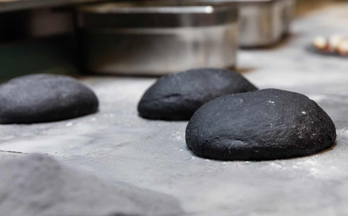 Gourmet pizzeria offers pizza made from activated charcoal
