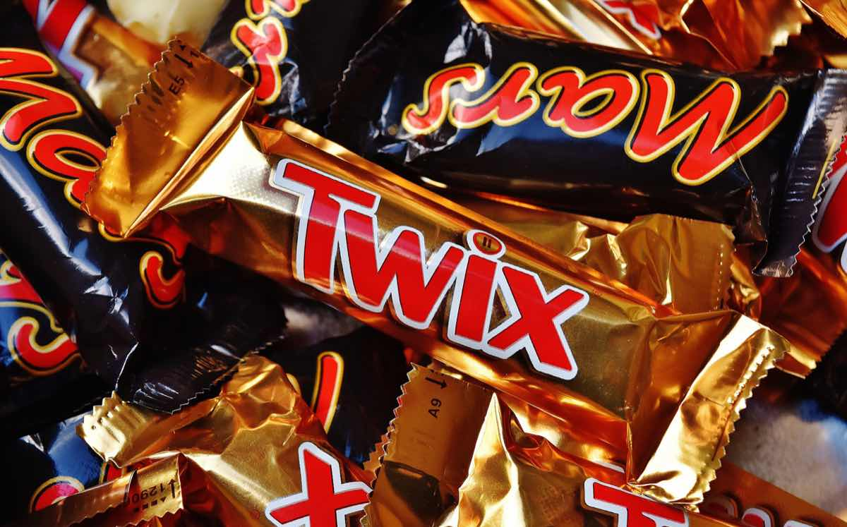 Mars unveils dark chocolate Twix and revives two other flavours