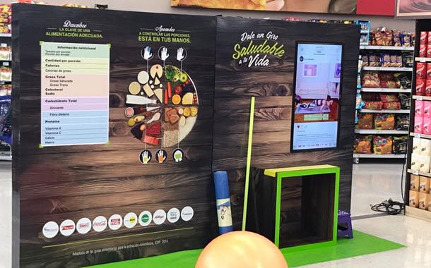 Eight 'healthy stations' have been installed in retail stores in Bogotá.