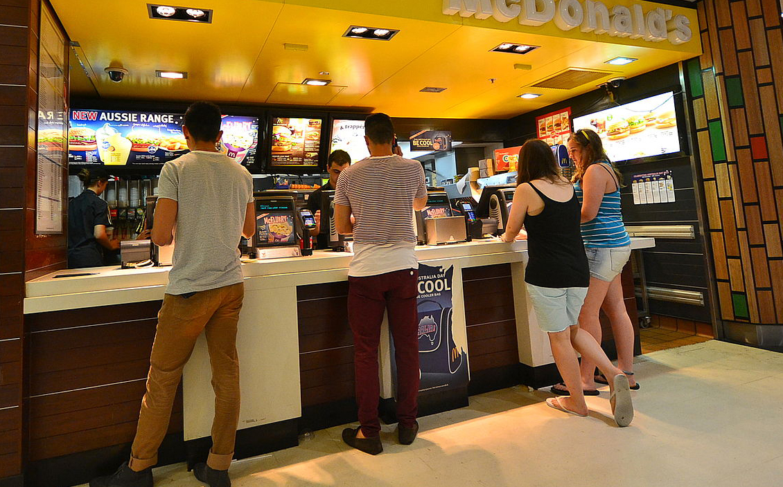 Customers at a McDonald's store in Australia. © Sardaka/Wikimedia
