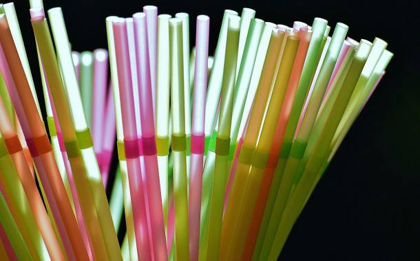 UK government to ban plastic straws and stirrers from April 2020