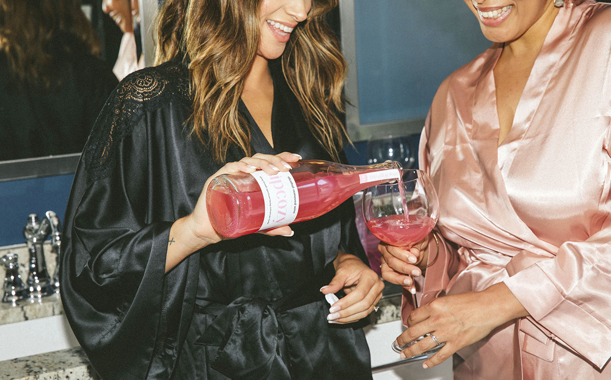 SipCozy launches non-alcoholic hemp-infused rosé wine