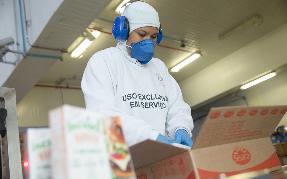 JBS to invest $351m in Paraná state expansion and create 2,500 jobs